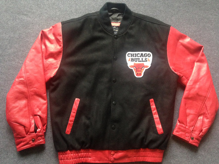 90s Chicago Bulls varsity jacket - M/L