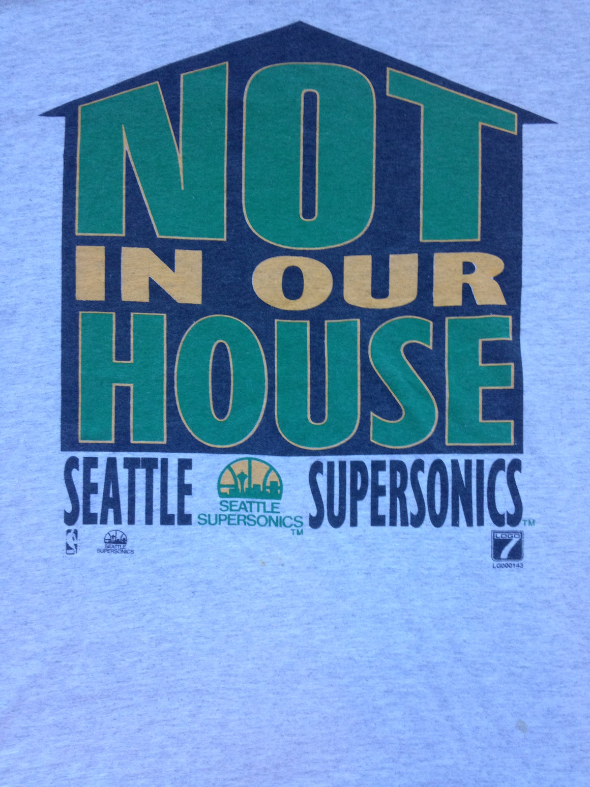 '90s Seattle Supersonics NOT IN OUR HOUSE t shirt - XL