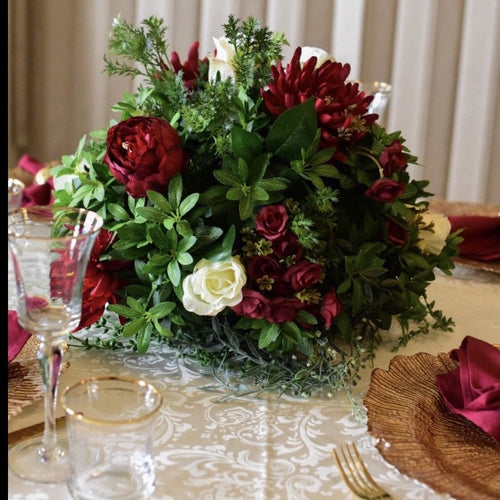 Floral centrepiece red and ivory