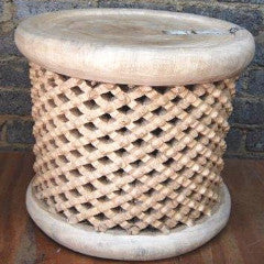 50cm dia x 45cm h - Natural traditional design