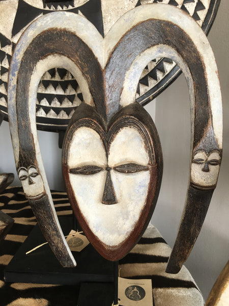 MASK - KWELE WOODEN (West Africa)