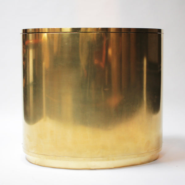 Oval brass bar in the style of Gabriella Crespi