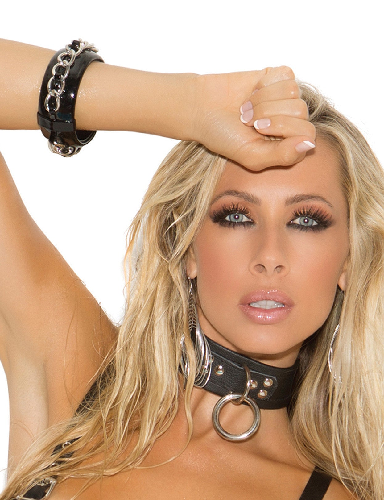 Leather Ring Choker - just damn sexy