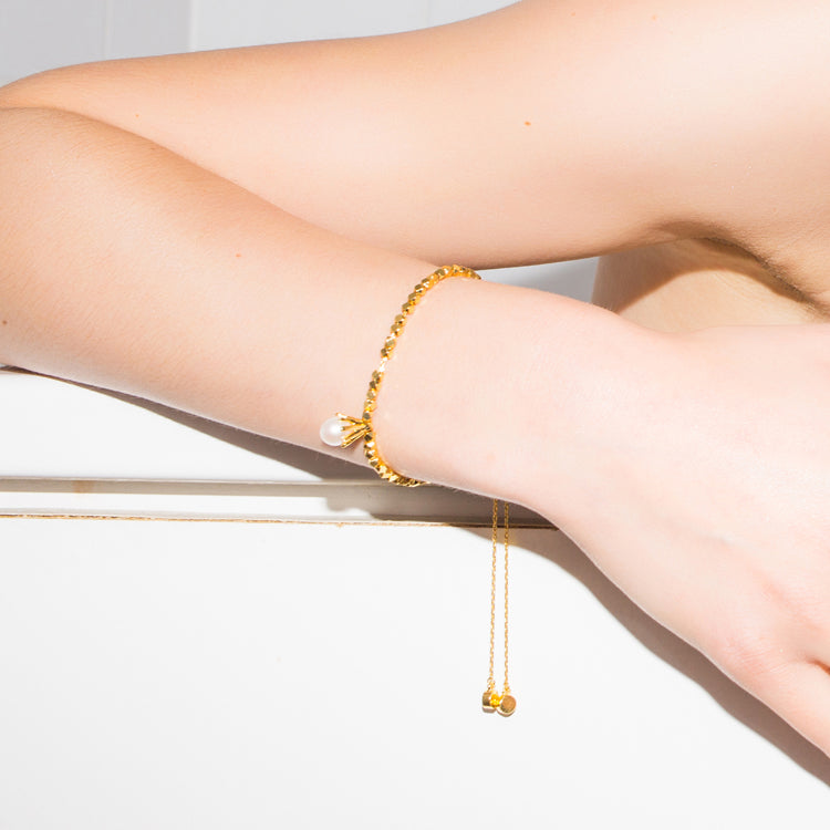 DROP Gold Beads & Pearl Bracelet