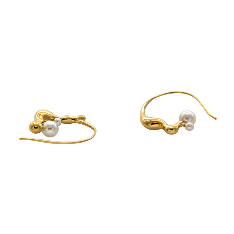 FLOW Small Gold Hoop Earrings with Pearls