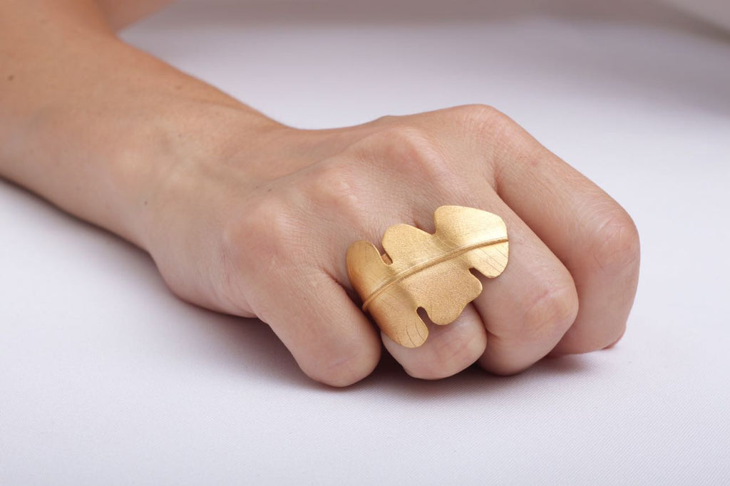 Denise Françoise Hoja Platano Adjustable Ring