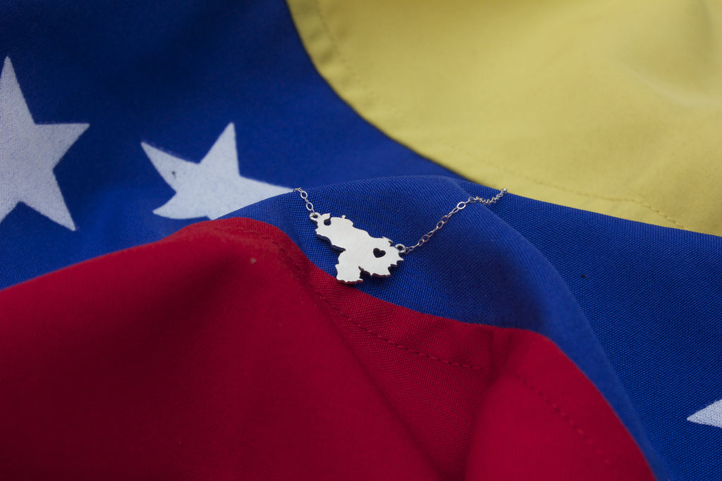 Franzius Heart Venezuela Map Necklace