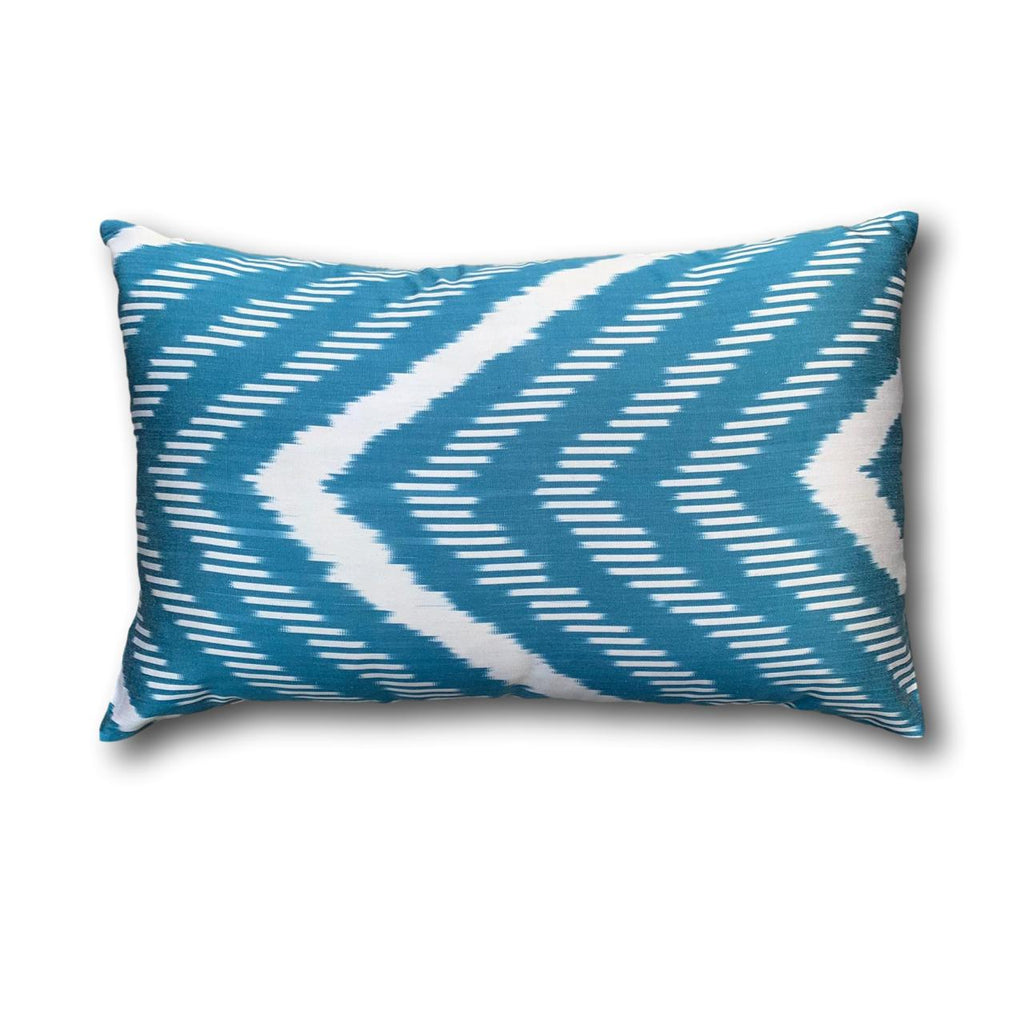IKAT cushion cover - Blue Chevron - 40 x 60 cm
