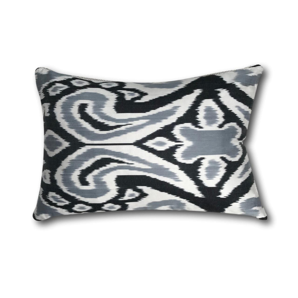 IKAT cushion cover - Black and Grey - 40 x 60 cm
