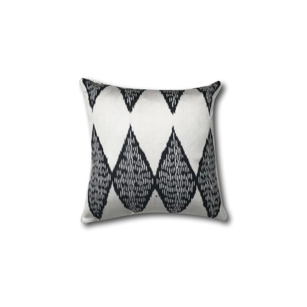 IKAT cushion cover - Black and White - 40 x 40 cm
