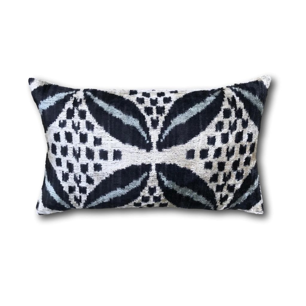 IKAT cushion cover - Black and Blue - Velvet - 30 x 50 cm