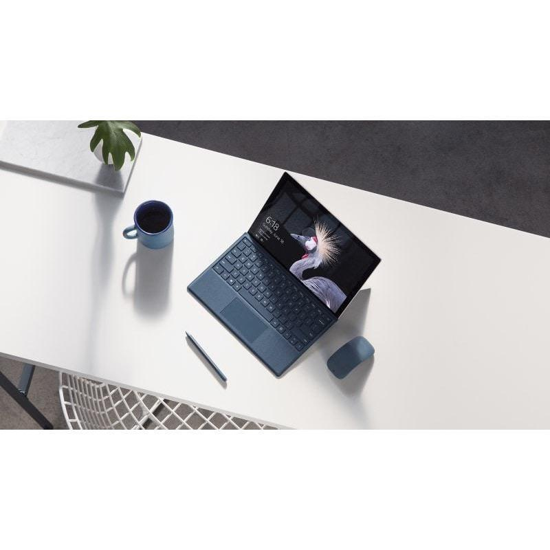 Microsoft Surface Pro 4 (256 GB, 8 GB RAM, Intel Core i5)