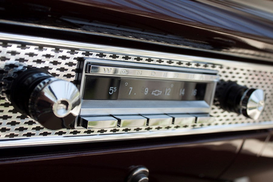 6 Great Holiday Gift Ideas for Classic Car Owners – RetroSound