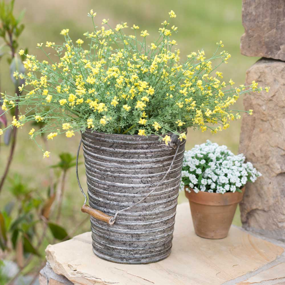 Ribbed Garden Bucket