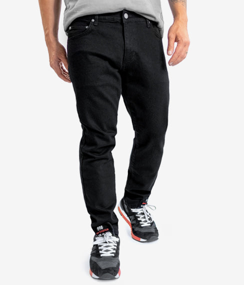 Midnight Black Essential Jean