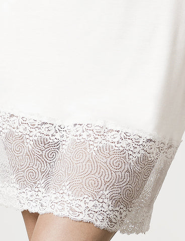 London Lace Chemise Moon White, lace detail