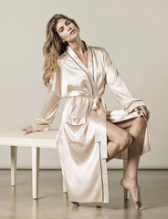 Nui Ami | Luxury Sleepwear | Paris Robe in Italian Silk