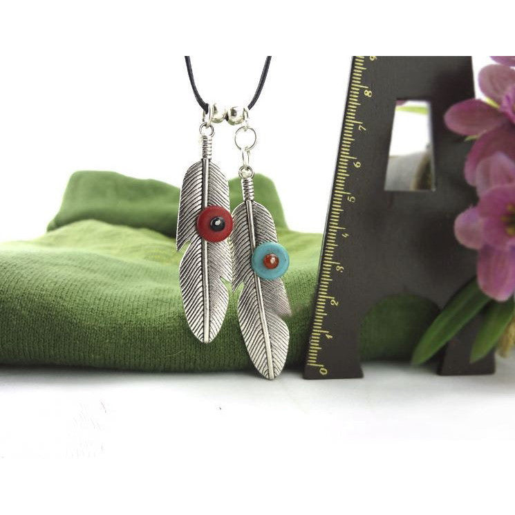 Stone in Feather Necklace