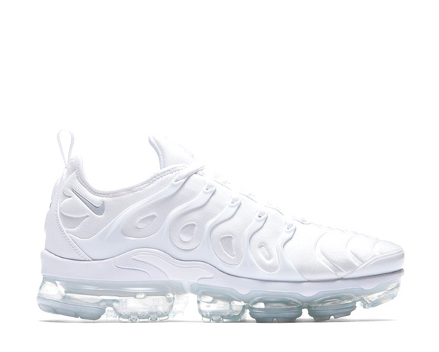 more photos dd007 3f29f Nike Air VaporMax Plus Triple White