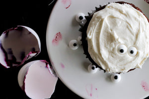 Good Dee's Ghost Cupcakes + Easy DIY Cracked Eyeballs