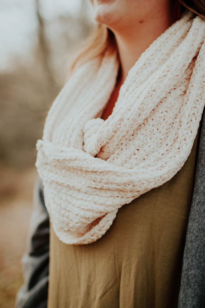 Super Soft Chenille Ivory Knit Scarf