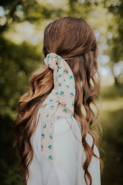 Cream Floral Scrunchie Scarf