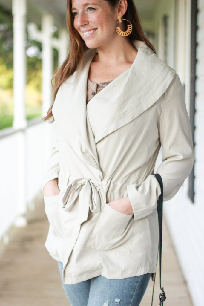 Cream Wide Collar Jacket w/Ties