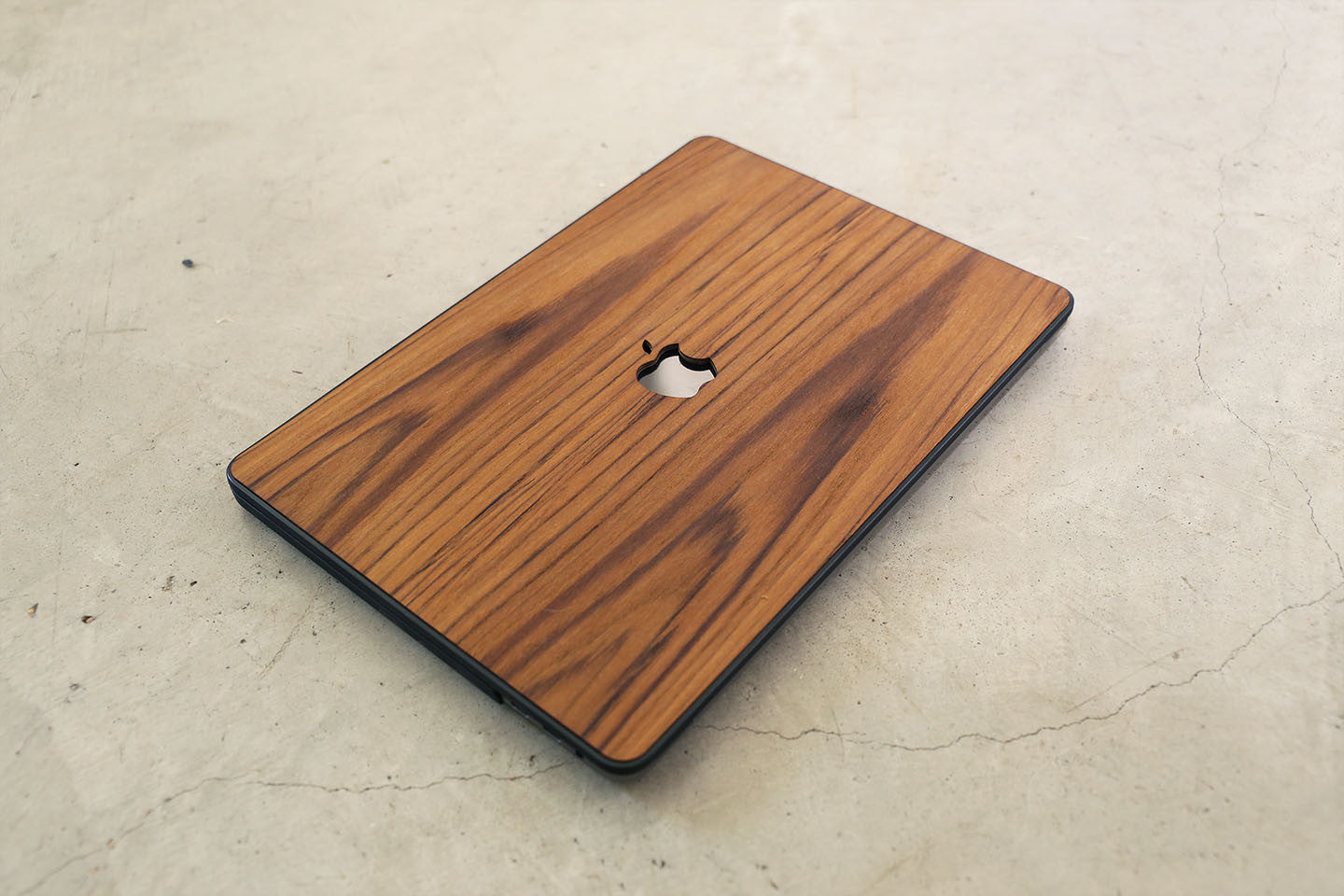 Real Wood MacBook Case Teak Pro Air TouchBar