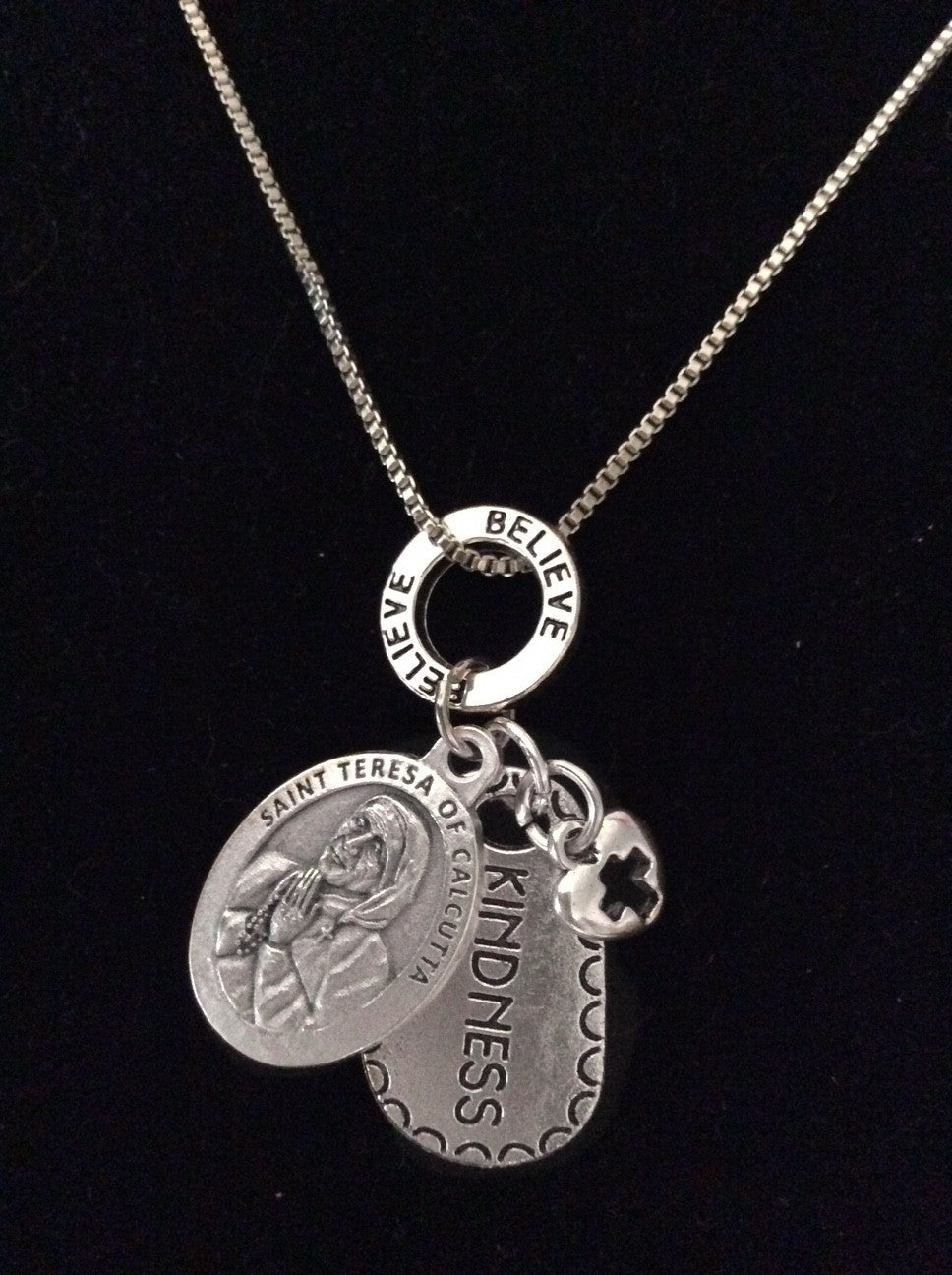 Saint Teresa Silver Necklace Mother Teresa Believe Kindness Catholic Medal Trendy Inspirational