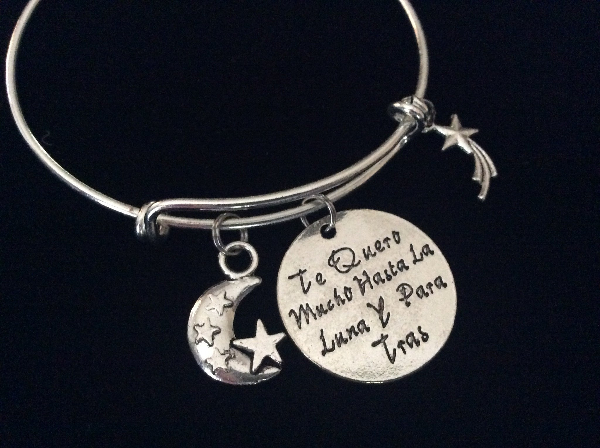 spanish bracelet translates to i love you to the moon and back with