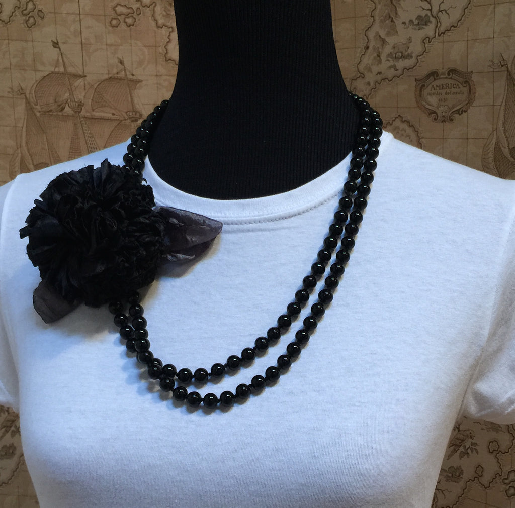 Pearl Black Carnation Necklace