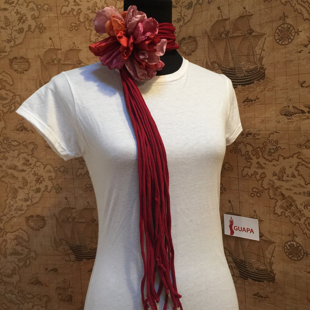 Burgundy Fringes Versatile (flower color dismatched)
