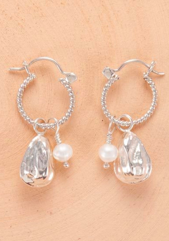 Pearl & Oyster Earrings - Silver