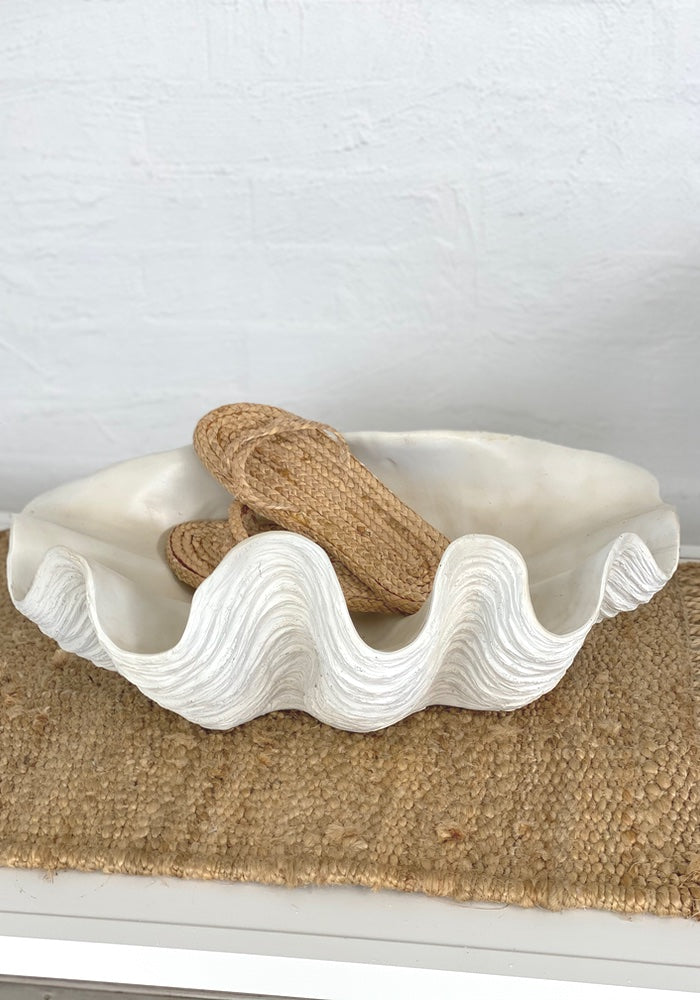 XLarge Resin Clam Shell Bowl