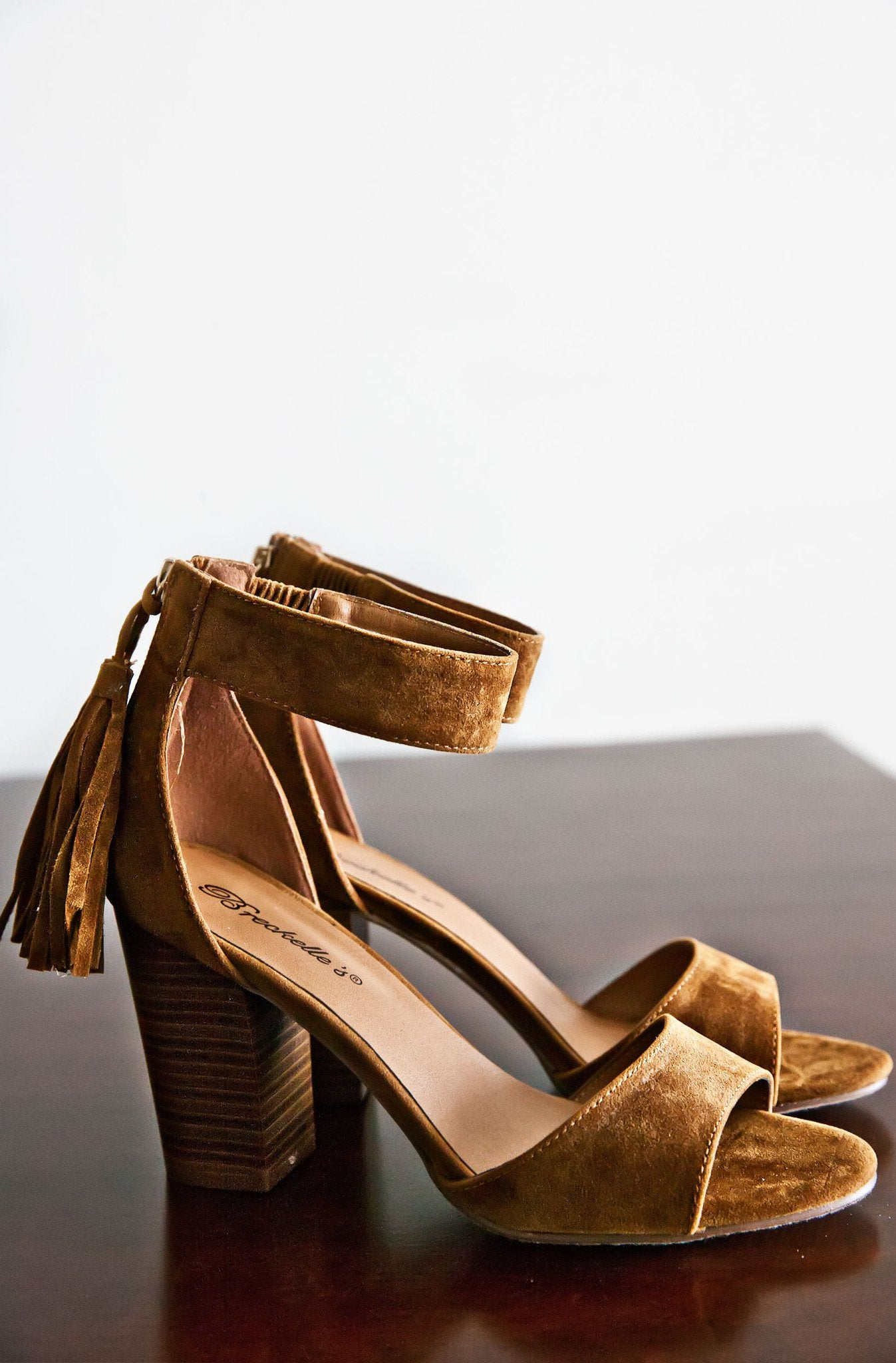 9a33edc743fb68 CYNDI HEEL SANDALS-TAN