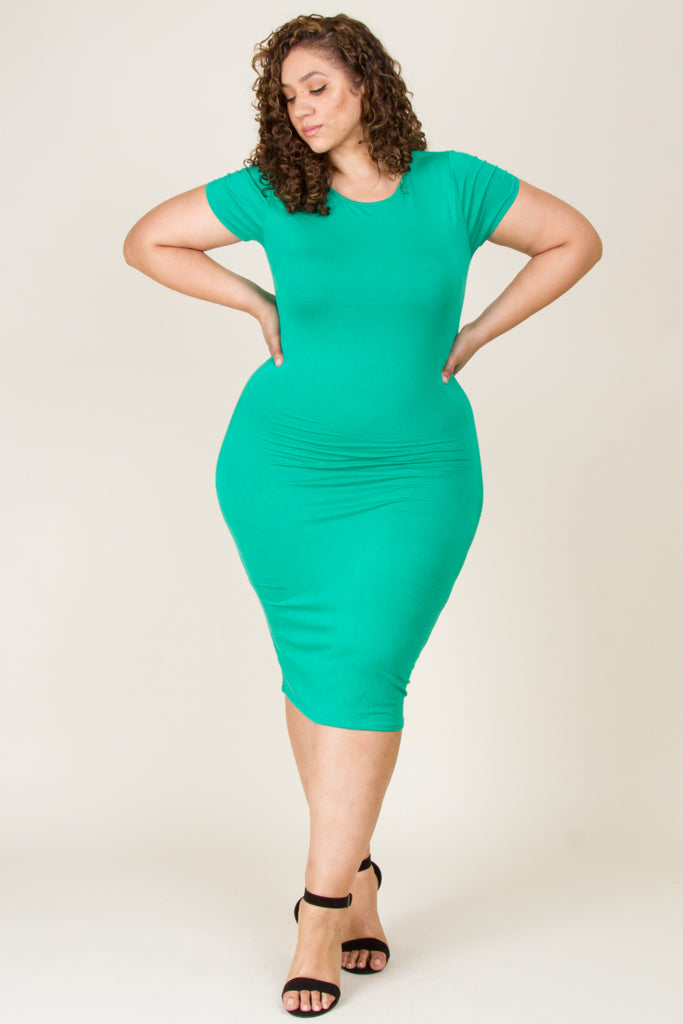 Plus Size Short Sleeve Solid Midi Dress