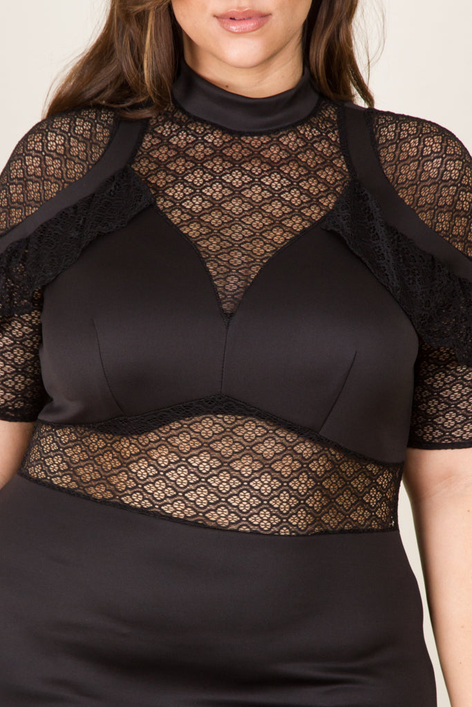 Plus Size Mesh Shoulder Point