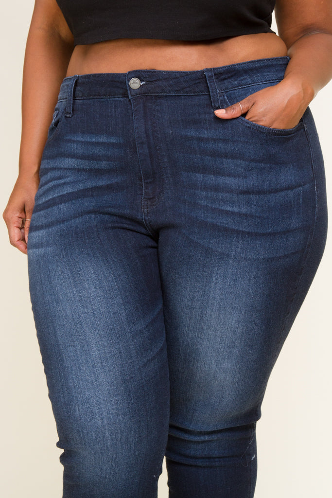 Plus Size Denim Washed Capris