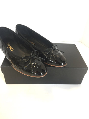Size 38.5 (8) Chanel Black Patent Quilted Flats