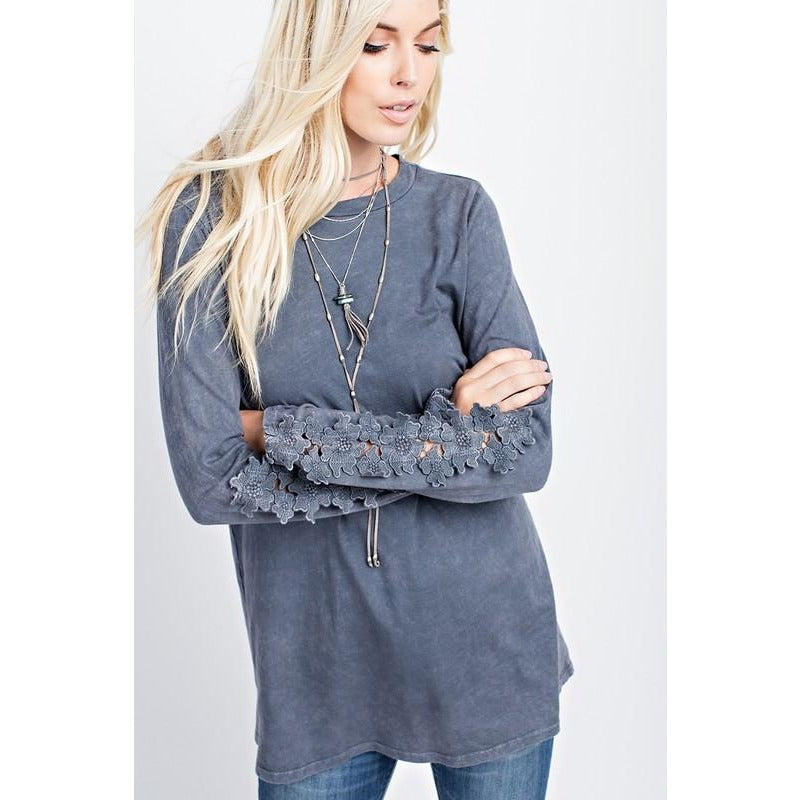 LACE SLEEVE MINERAL WASHED CHARCOAL