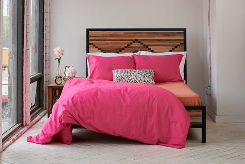 efitted sheet | sunrise coral | metal bed | bedface