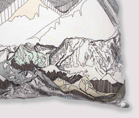 ethrow pillow | crystal | close up | bedface