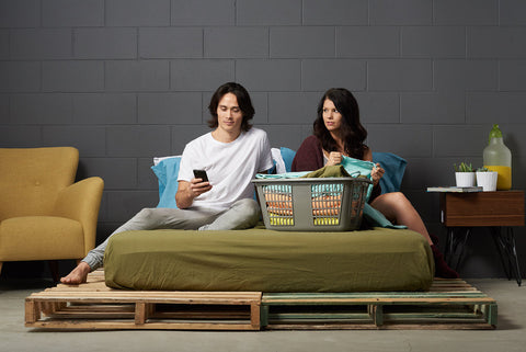 efitted sheet | commando olive | pallet bed couple | bedface