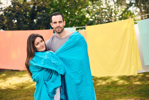 efitted sheet | aqua | outdoor couple | bedface