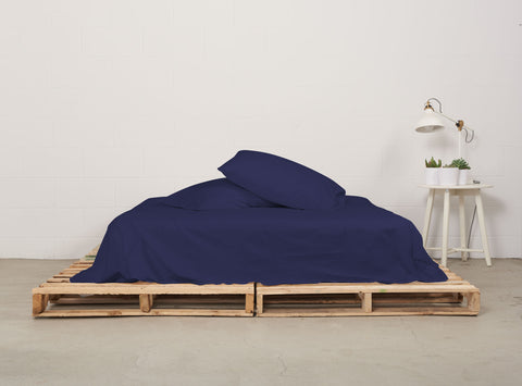 eflat sheet | nighttime navy | pallet bed | bedface