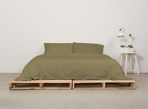 eduvet cover | commando olive | pallet bed | bedface