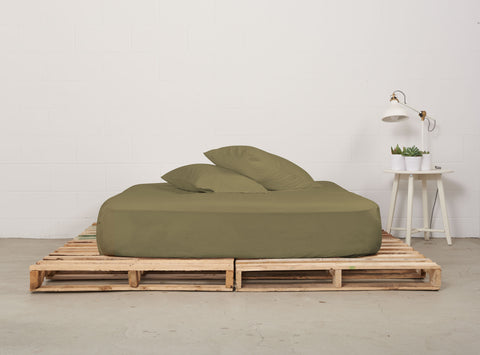 efitted sheet | commando olive | pallet bed | bedface