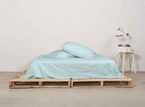eflat sheet | ice blue | pallet bed | bedface