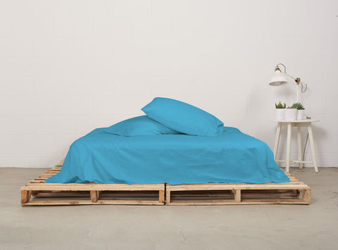 esheet set | sky blue | pallet bed | bedface