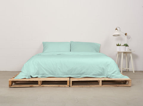 eduvet cover | mint | pallet bed | bedface
